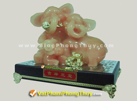 voi me om con c057 Voi Phong Thủy, biểu tượng may mắn, linh vật phong thủy được tôn vinh và ngưỡng mộ